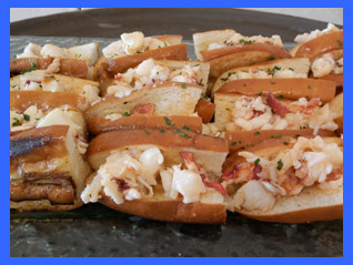 Connecticut warm buttered lobster roll  - photo by Luxury Experience