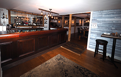 Tavern Bar - 1754 House, Woodbury, CT, USA - Photo by Luxury Experience