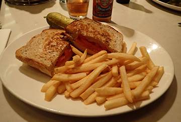 Grilled Cheese - Manhattan Deli - Atlantis Casino Resort Spa - Reno, Nevada - photo by Luxury Experience