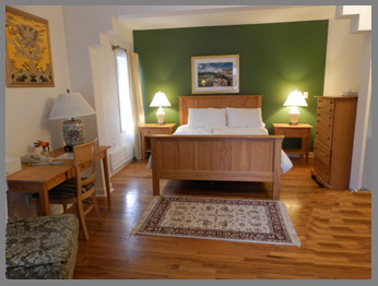 Guestroom at Delos Inn - The Menla Mountain Retreat and Mahasukha Spa - Photo by Luxury Experience