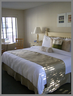 Guestroom  - Southampton Inn, Long Island, NY, USA - photo by Luxury Experience