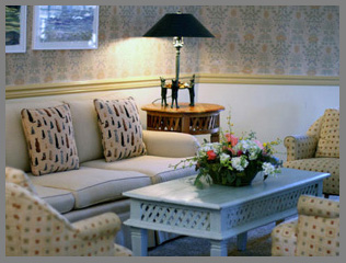 Lounge  - Southampton Inn, Long Island, NY, USA - photo by Luxury Experience