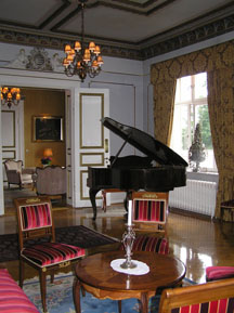 Thorskogs Slott Salon with Piano