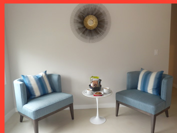 White Fences Inn - Guestroom Sitting Area - photo by Luxury Experience