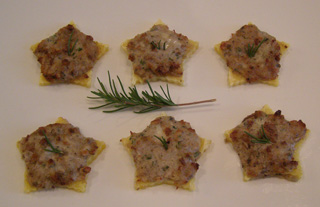 Luxury Experience's Cockspur Crab and Gorgonzola Polenta Stars - Photo by Luxury Experience