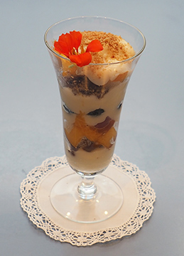 Luxury Experience - Bourbon Cream, Peaches, Blueberry Parfait - photo by Luxury Experience