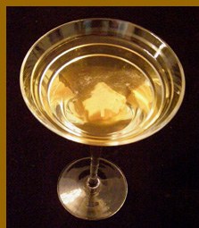 Luxury Experience - Autumn Gold Martini - photo by Luxury Experience