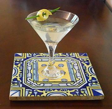Luxury Experience - Lemon Martini - photo by Luxury Experience