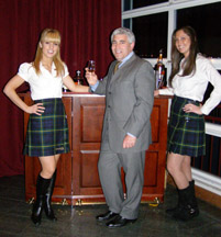 Dewars Girls and Edward F. Nesta at WhiskyLive 2009 New York