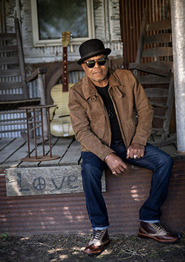 Tito Jackson - photo by Laura Carbone