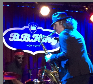 Boney James, Omari Williams at B.B. Kings NYC - photo by Luxury Experience