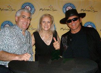 Edward Nesta, Debra Argen, Esteban at Mohegan Sun- Photo by Luxury Experience