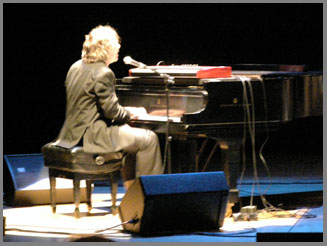 Jon Cleary on piano - photo by Luxury Experience