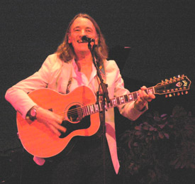 Roger Hodgson on guitar - Photo by Luxury Experience