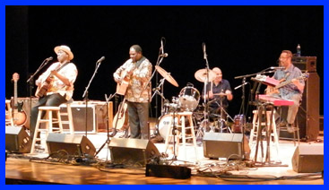 Taj Mahal Trio and Vusi Mahlasela - photo by Luxury Experience