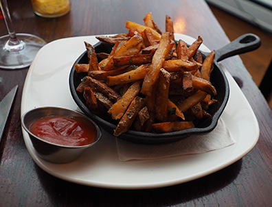 Hand Cut Fries - 1754 Hotel Restaurant - photo by Luxury Experience