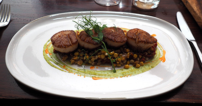 Pan Seared Sea Scallops - 1754 Hotel Restaurant - photo by Luxury Experience