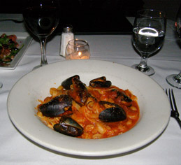 75 Main Restaurant Lounge Club - Seafood Fra Diablo - photo by Luxury Experience