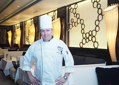 Chef Darren Stanley - Atlantis Casino Resort Spa - photo by Luxury Experience