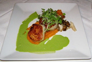 Scallops - Aux  Truffes Restaurant, Mont-Tremblant, Canada - Photo by Luxury Experience