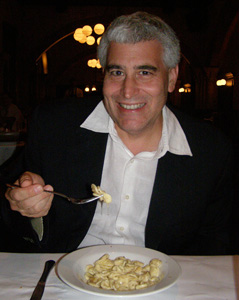 Edward Nesta tasting the Big Cheese - Ballo Italian Restaurant and Social Club, Mohegan Sun - Photo by Luxury Experience