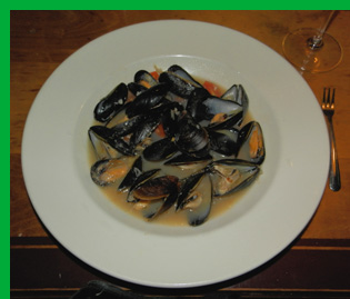Switchback Steamed PEI Mussels - Photo By Luxury Experience