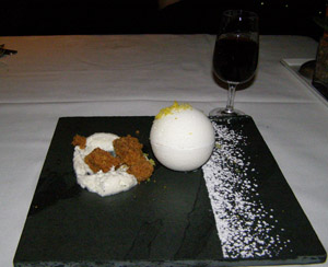 360 Dessert - L'Astral Bar-Restauant Rotatif - Loews Hotel le Concorde Quebec - Photo by Luxury Experience