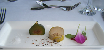 Amuse Bouche - L'Astral Bar-Restauant Rotatif - Loews Hotel le Concorde Quebec - Photo by Luxury Experience