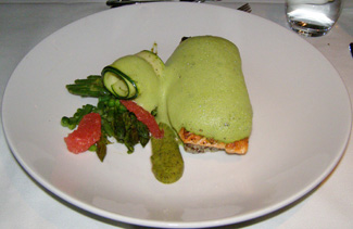 Salmon - L'Astral Bar-Restauant Rotatif - Loews Hotel le Concorde Quebec - Photo by Luxury Experience