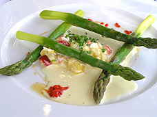 Lofoten Fiskerestaurant asparagus and lobster salad