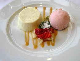 Lofoten Fiskerestaurant panacotta and berry sorbet