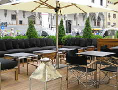 Lounge outside tables