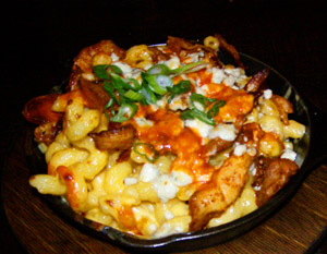 Rocker@Squaw - Buffalo Chicke Mac and Cheese - Photo by Luxury Experience