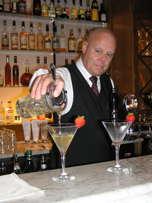 Lars Nyden Pouring martinis at the Plaza Bar