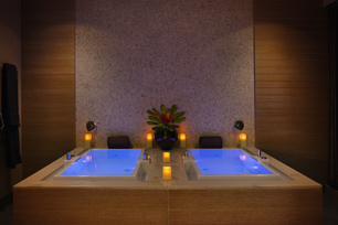 Deep Soaking Tub - The Spa at Trump Chicago