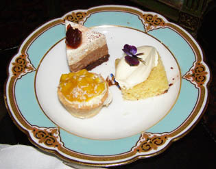 Desserts - Blantyre, Lenox, Ma - Photo by Luxury Experience
