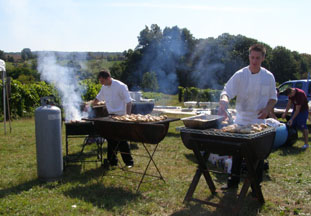 Prepairing Lunch at Gouveia Vineyard - Photo by Luxury Experience