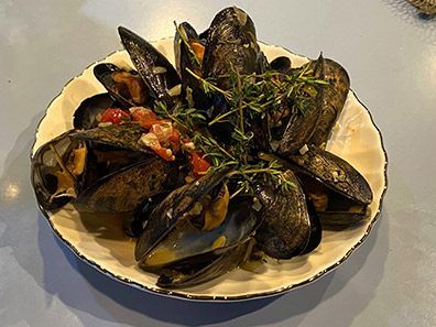 Luxury Experience - Hampton Mussels - photo by Luxury Experience
